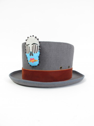 CYLINDER HAT IN COPPER WITH SKULL FACE PIN