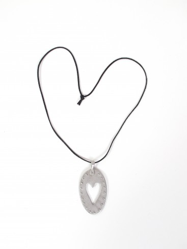 HEART MEDALLION NECKLACE