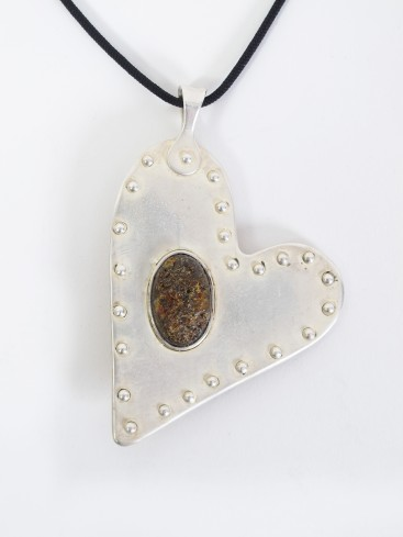 BLACK AMBER SILVER COATED HEART MEDALLION NECKLACE